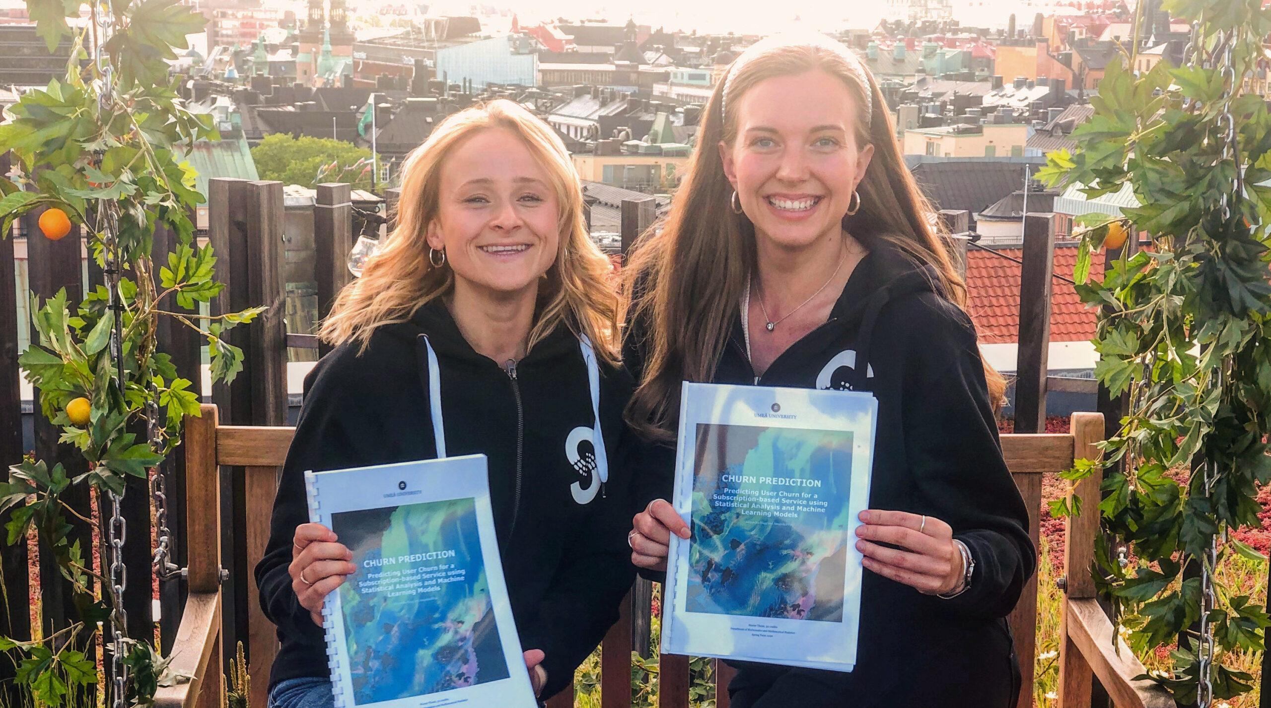Alexandra Hägg and Amanda Flöjs, master students in Industrial Statistics at Umeå Universitet.
