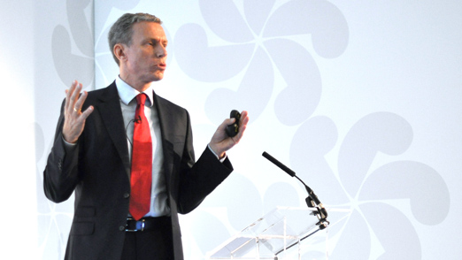 Konsernsjef Rolv Erik Ryssdal presenterer under Schibsteds Investordag i London i 2013.