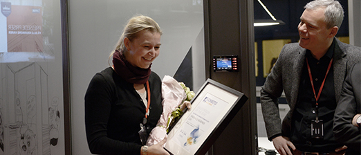 One of the surprised nominees: Ragnhild Kræmer in E24 was one of five to be nominated in the category Sales Person of the Year. A proud E24 CEO, Per Valebrokk, to the right.
